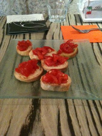 Almanera Puro - Lounge: Bruschetta al pomodoro