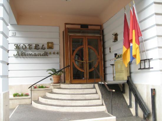 Hotel Alimandi Tunisi: hotel entrance