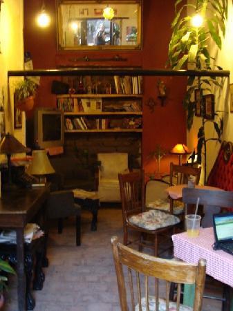 La Prensa Francesa Cafe: ART AND CULTURE