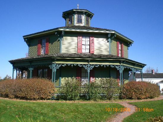 Genesee Country Village & Museum: house at Genesee country village