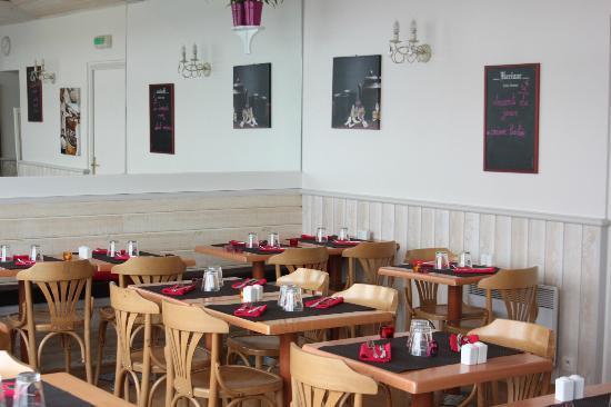 restaurant cr perie restaurant l 39 invitation dans saint nazaire avec cuisine fran aise. Black Bedroom Furniture Sets. Home Design Ideas