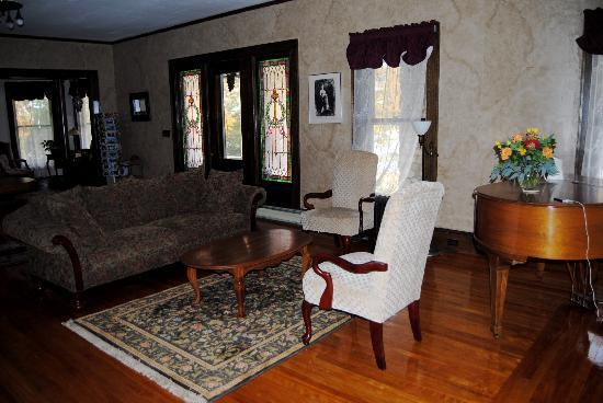 The Mulburn Inn at Bethlehem: another sitting area