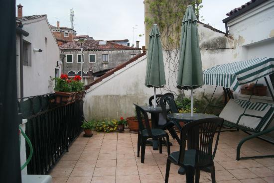 Al Campaniel : La terrasse pour le petit déjeuner par beau temps