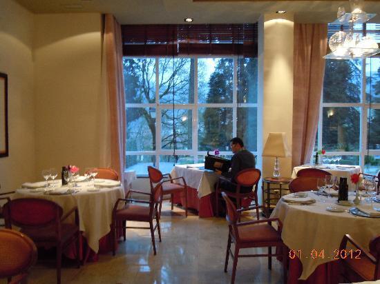 Restaurante Palacio de Eguilior : Detalle del comedor