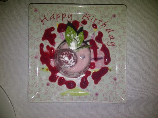 Birds Nest Restaurant: Happy Birthday desert