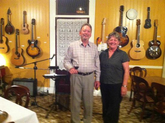 Whiskey Gully Wines and Beverley Vineyard Restaurant: John & Denice