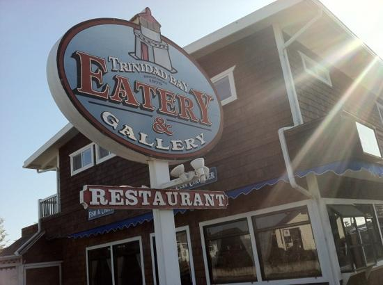 Trinidad Bay Eatery & Gallery: gorgeous place, great menu.
