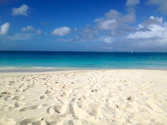 Grace Bay Club: beach