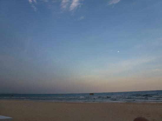Villa Del Sol Beach Resort & Spa : Beach area