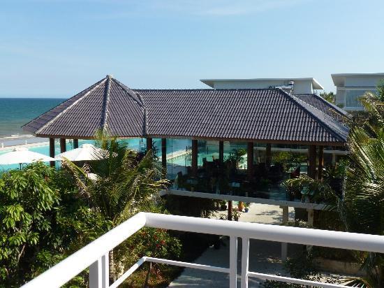 Villa Del Sol Beach Villas & Spa : Restaurant from our view
