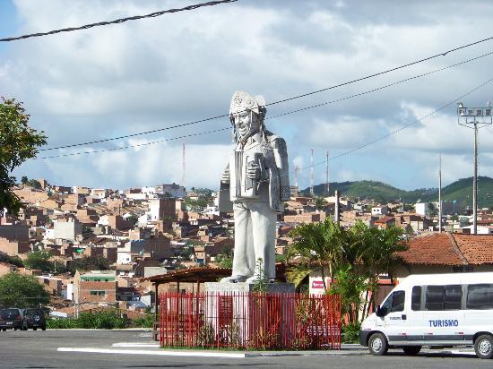 Caruaru, PE: Statue outside of the museum
