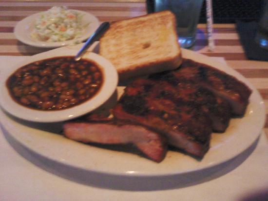 Woody's Bar-B-Q: BBQ Spare rib dinner