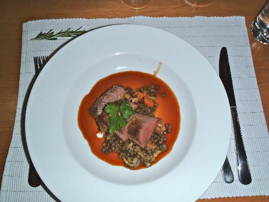 The Akaroa Cooking School : seared lamb backstraps on warm puy lentils, vegetable and preserved lemon salad with port jus