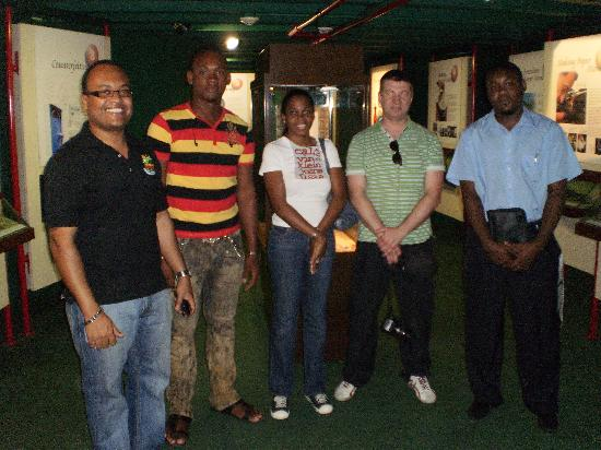 Island Flavour Adventures : Group Photo at Bank of Jamaica Money Museum