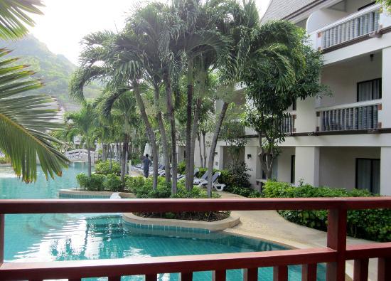 Centara Kata Resort Phuket: View over pool - family suites on ground floor open onto pool area