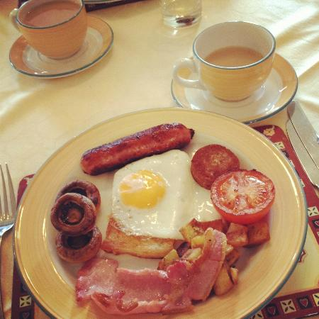 Bre Pen Farm B&B: Jill's delicieus hot Cornish Breakfast (proper job!)