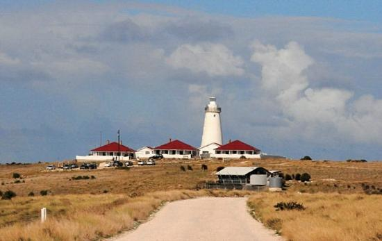 Cape Willoughby Lighthouse Keepers Heritage Accommodation: We Stayed In The One In The Middle