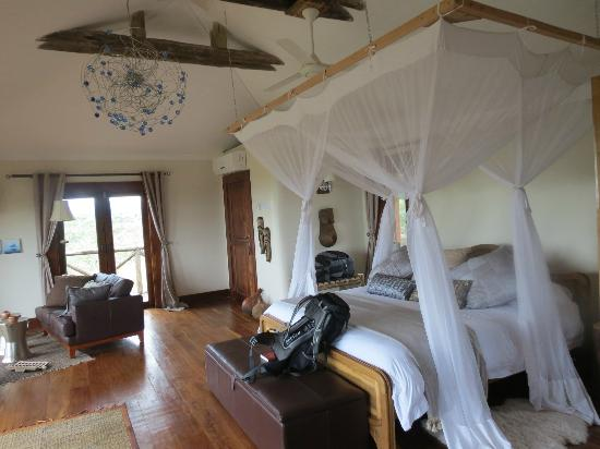 Escarpment Luxury Lodge: Bed room