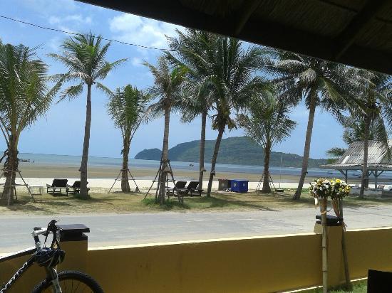 Terra Selisa Dolphin Beach Resort Hua Hin