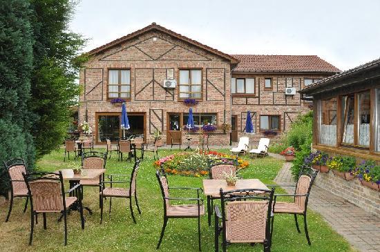 Hotel De Stokerij: garden