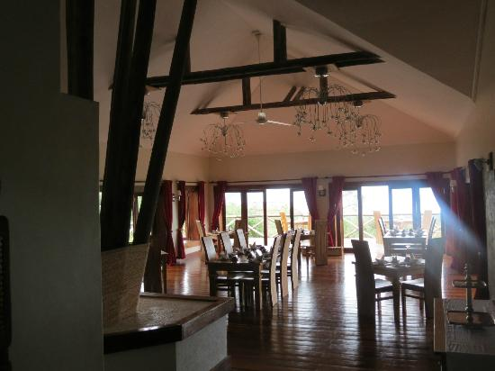Escarpment Luxury Lodge : Dinning area