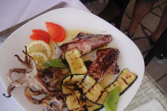 Villa Castello: Calamars grillés