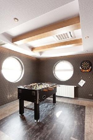 Piaskowy Hotel : Salon gier