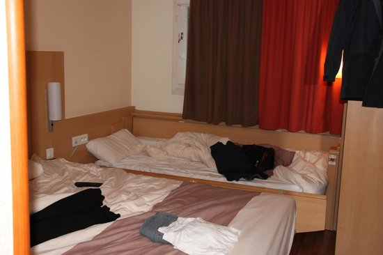Ibis Villepinte Parc Expos: 1 small double, 1rollaway