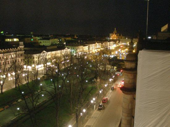 Ravintola Savoy: Night view of the Esplanade from the Terrasse