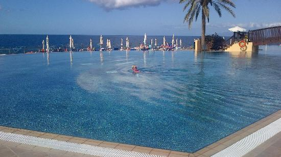 Bahia Principe Costa Adeje: Loved this pool it was my favorite out of the 3 pools