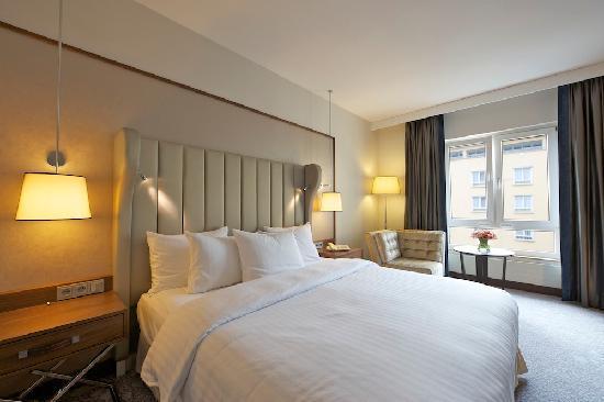 Hilton Guestroom