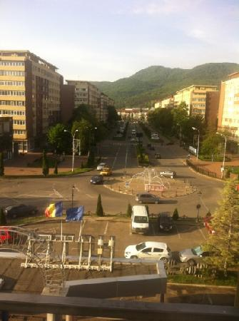 Grand Hotel Ceahlau Piatra Neamt: the view from the 1st floor: