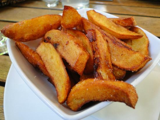 Tancredi: Bratkartoffeln zum Zwiebelrostbraten