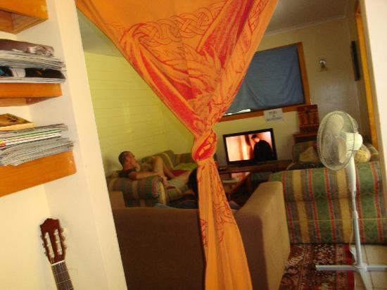 Nimbin Rox YHA: TV room