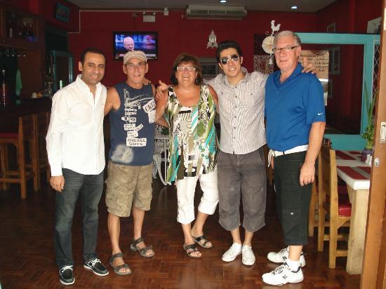 Central Guesthouse: Nous et les 2 propriétaires Haluk & Mike