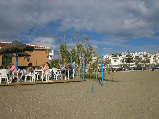Chiringuito Arroyo : View from the beach to Arroyo Bar and Mijas Playa Club
