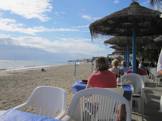 Chiringuito Arroyo : View from Arroyo Bar on to the beach in La Cala de Mijas