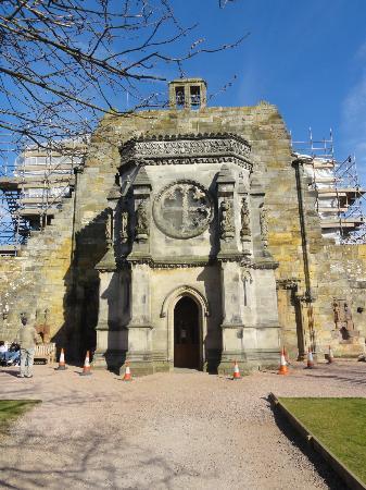 Chapel Cross Guest House: Rosslyn Chapel