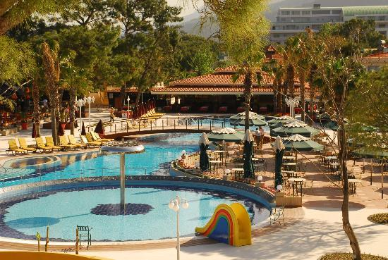 Club Boran Mare Beach: новый бассейн в отеле боран маре бич