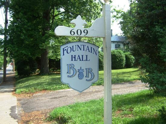 Fountain Hall B&B: Entrance