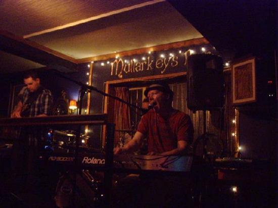 Foyles Hotel: Mullarkeys Bar