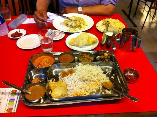 Frys Village Restaurant: Thali