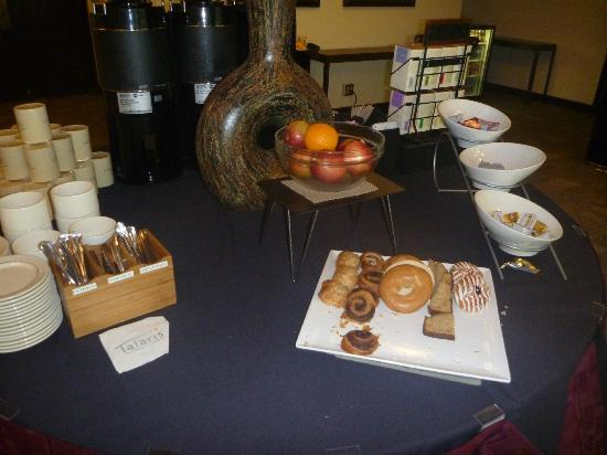 Talaris Conference Center: Continental Breakfast: juices/yogurts not shown