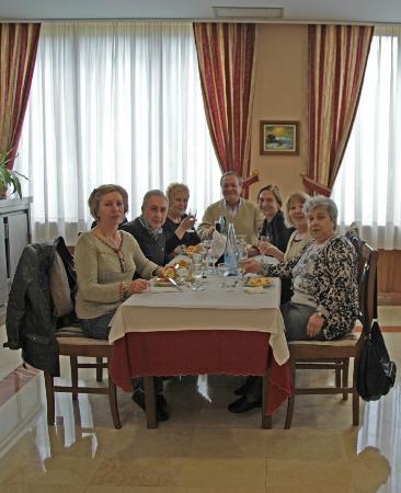 Liencres, España: Una comida en el Salón-comedor del hotel.