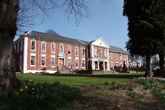 Best Western Plus Birmingham NEC Meriden Manor Hotel: Exterior of Hotel