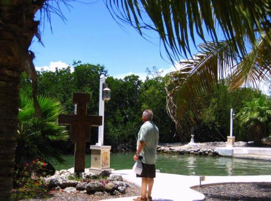 San Pablo Catholic Church: Serentiy by the Lake