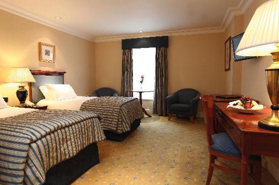 Best Western Plus Birmingham NEC Meriden Manor Hotel: Bedroom - Twin