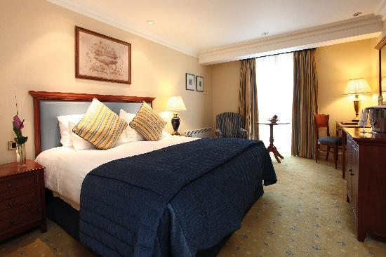 Best Western Plus Manor Hotel: Bedroom  - Standard Double