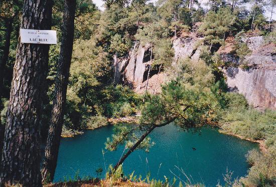 Parc de Prehistoire de Bretagne: One of the lakes