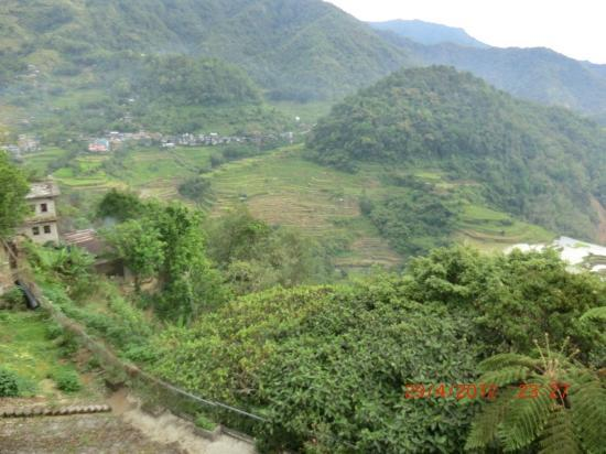 Banaue Hotel and Youth Hostel: Balcony view after sunrise